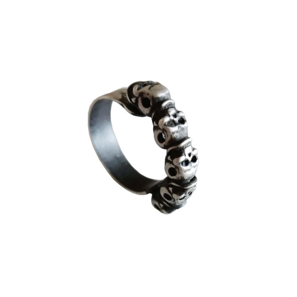 Five skulls unisex silver ring