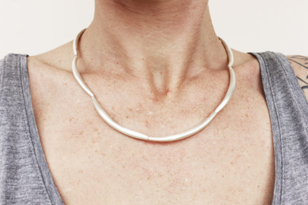 Silver spiculum necklace