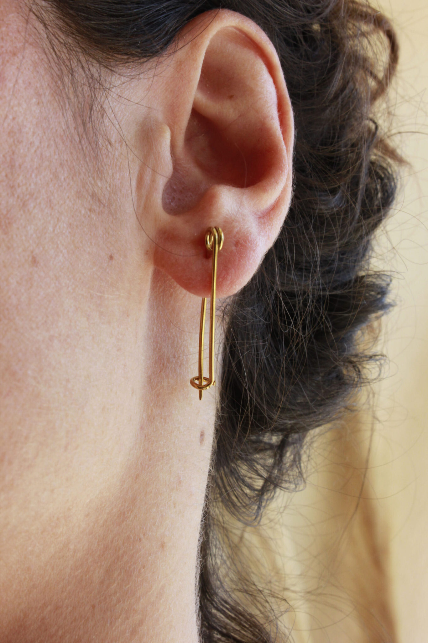 Gold safety pins earrings